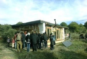 ecoaldea casa de paja bioconstruccion autoconstruccion transicion