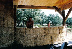 casa de paja, autoconstruccion, bioconstruccion, como hacer una casa, vida alternativa